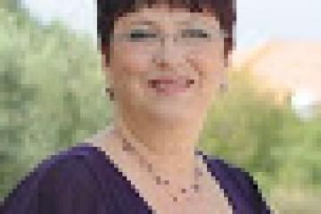 מרינה פינקלשטיין – מגשרת